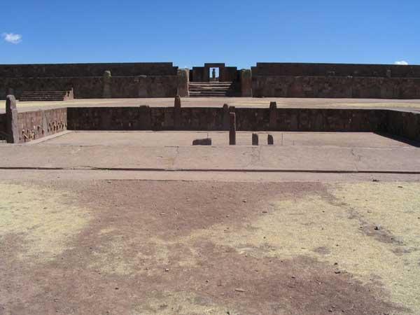 Quần thể di tích Tiwanaku tại Bolivia (Ảnh: Anakin~commonswiki, Wikimedia)