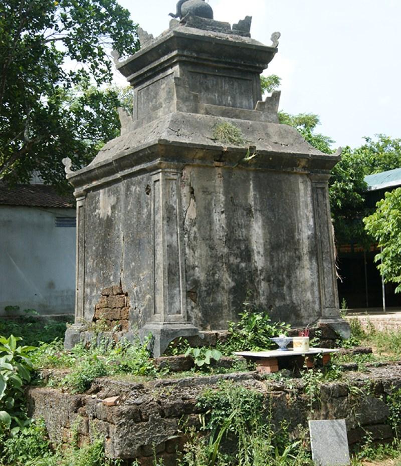 Tháp phật chùa Viễn Quang – Nam Đàn, xây bằng đá ong