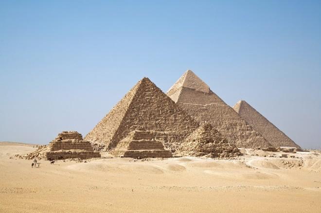 Kim tự tháp Giza (Ai Cập)