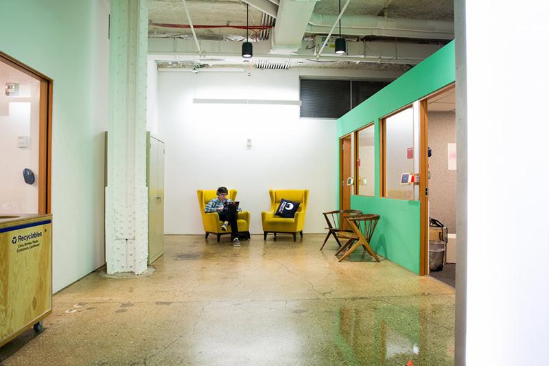 Bên trong văn phòng làm việc đẹp nín thở của Facebook tại New York - Ảnh 2.