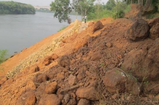 San lắp sông trái phép của cán bộ cấp cao