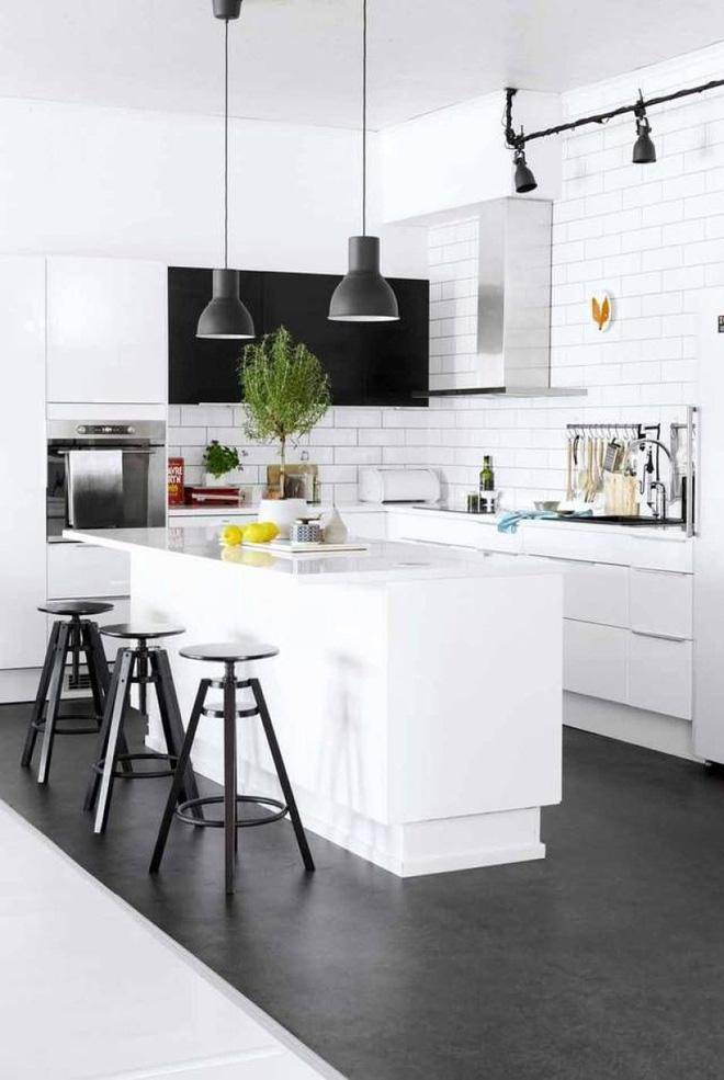 Ngắm hoài không chán 16 căn bếp vượt thời gian với gam màu đen – trắng - Ảnh 14.