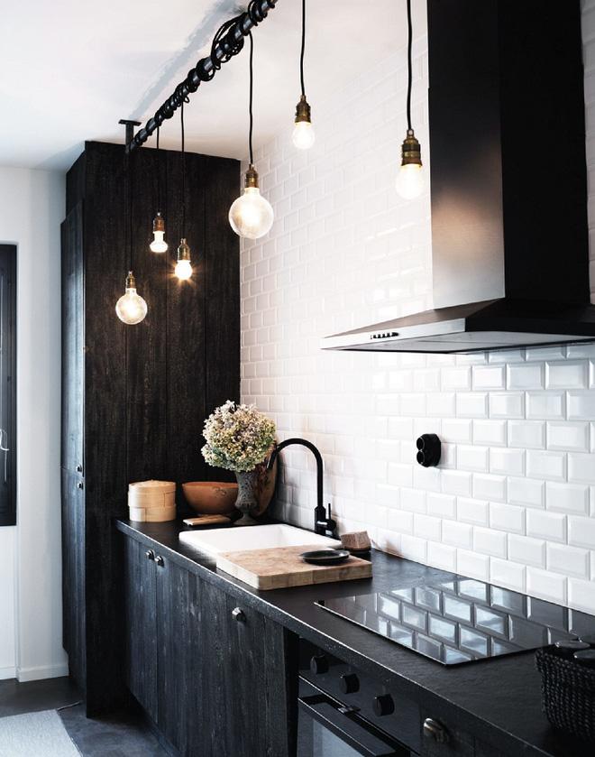 Ngắm hoài không chán 16 căn bếp vượt thời gian với gam màu đen – trắng - Ảnh 6.