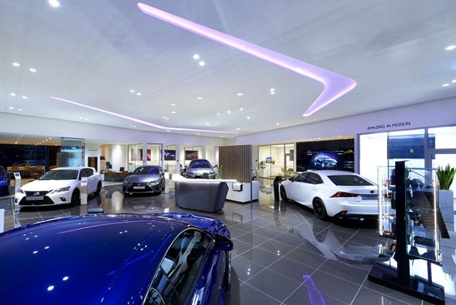Mẫu thiết kế nội thất showroom Oto