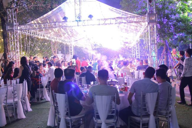 Ngắm căn biệt thự gần 20 tỷ với lễ mừng tân gia hoành tráng của ca sĩ Quang Hà ở Hà Nội - Ảnh 4.
