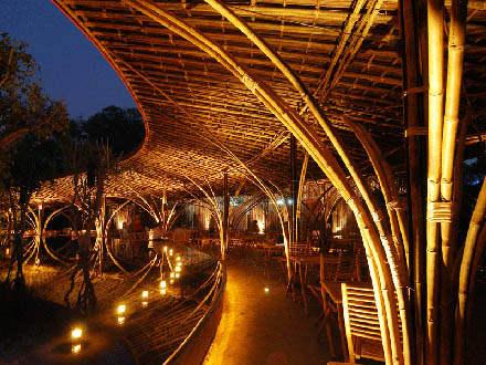 Một công trình kiến trúc cafe độc đáo: Gió và nước